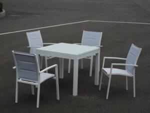 דגם רנית – שולחן לגינה 90/90 נפתח ל1.80 + 4 כיסאות