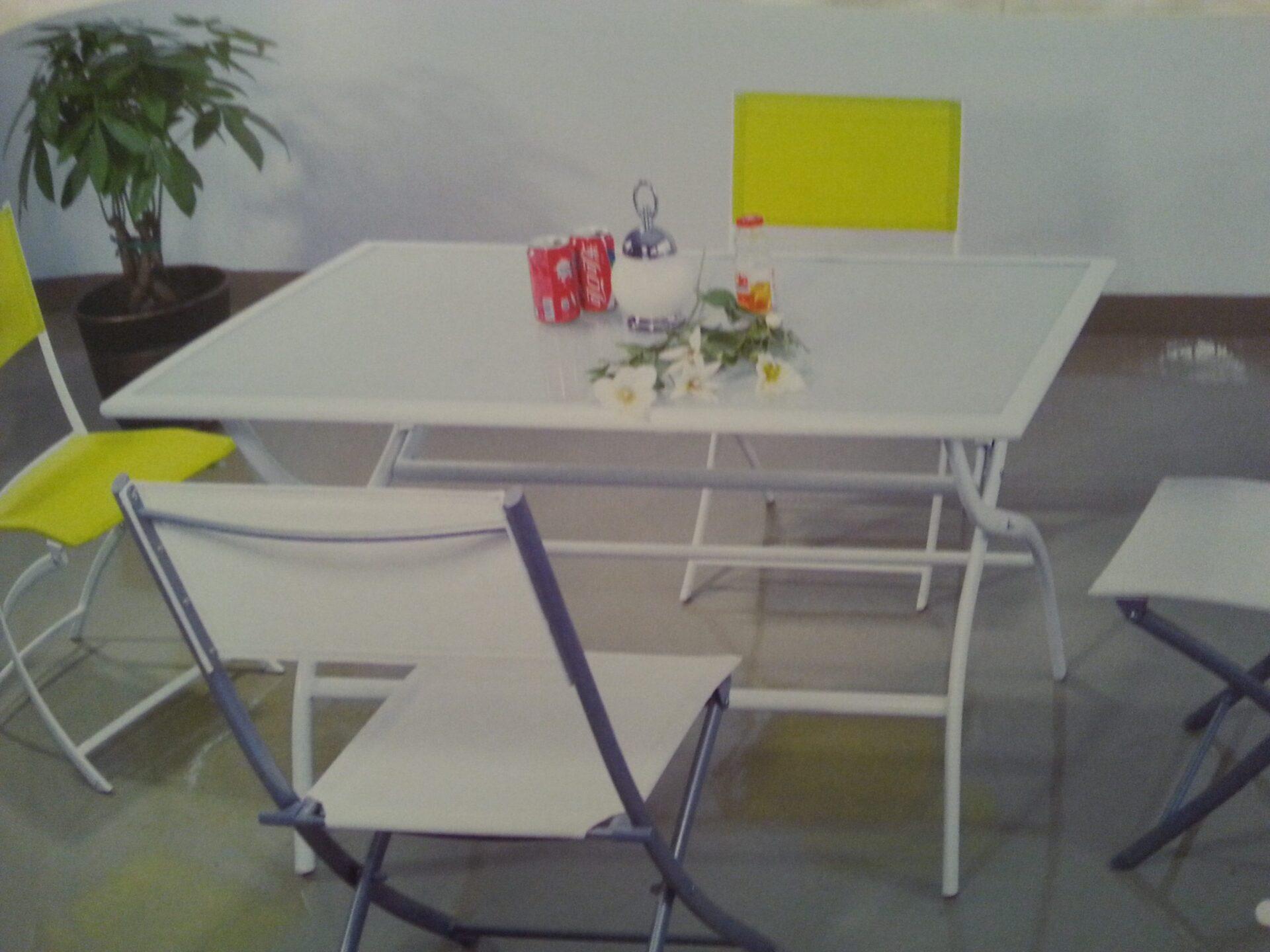 שולחן לגינה 1.10/70 מתקפל + 4 כסאות מתקפלים