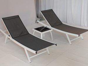 2 מיטות שיזוף לגינה+שולחן צד דגם ריף