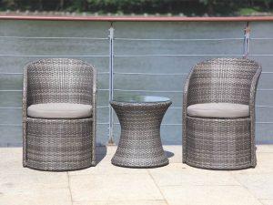 דגם סאן שתי כורסאות מעוצבות ושולחן עגול תואם