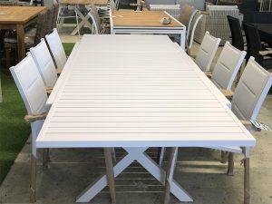 שולחן נפתח דגם זוהר 1.60/1.00 שנפתח ל 2.40 עם 6 כסאות תואמים