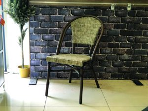 כיסא דגם פתאל